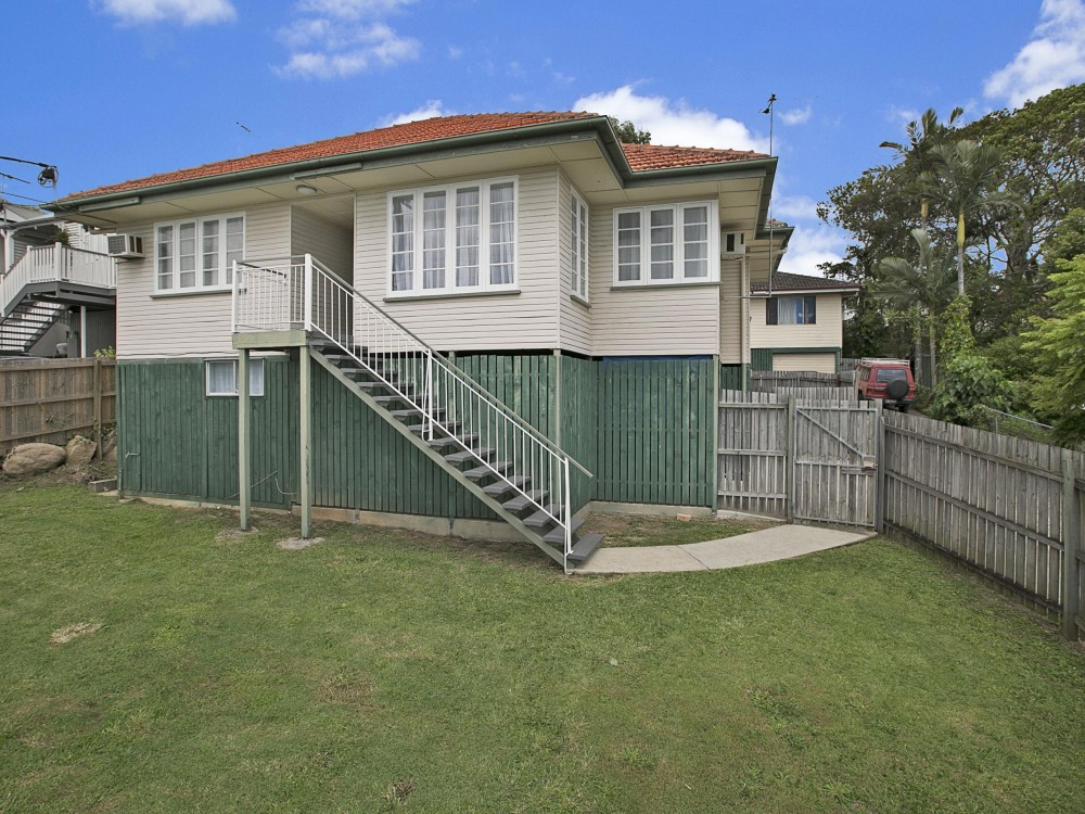 Huge Refurbished Murarrie Home With Loads of Storage